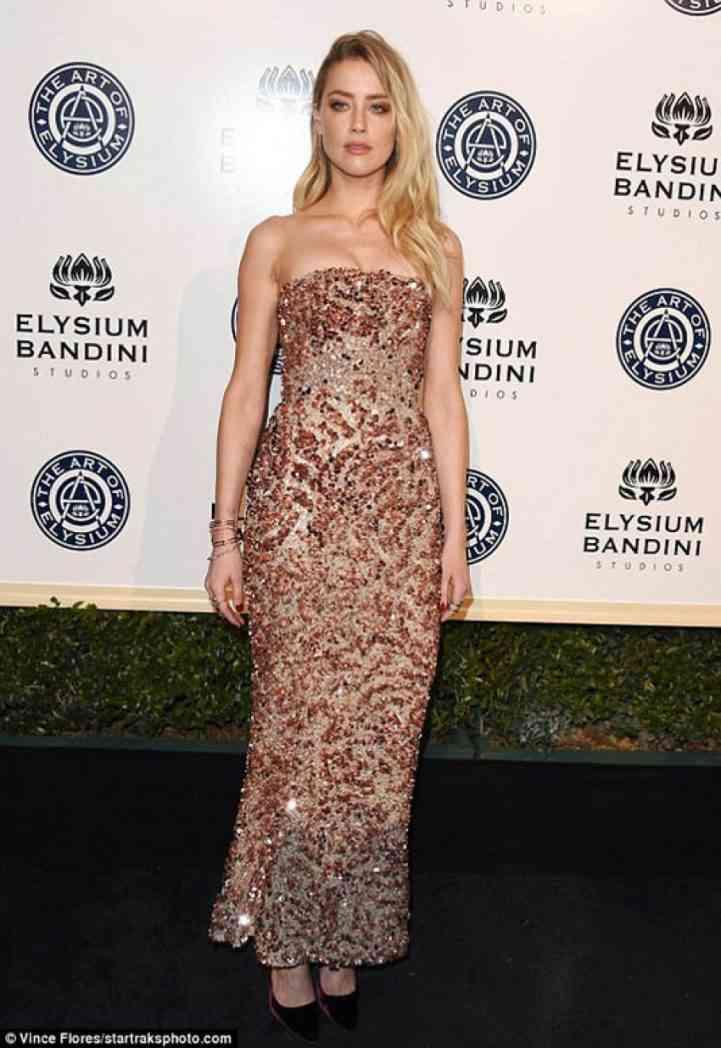 """Amber Heard shkëlqen në mbrëmjen gala të """"Art of Elysium"""""""