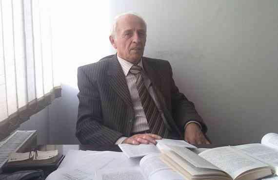 """Libri i Avni Preshevës """"Leksikon i Logjikës"""", më i mirë shkencorë në Kosovë për vitin 2016"""