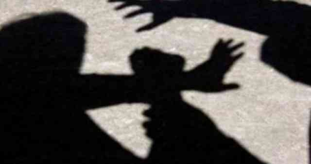 Raporton në polici se e ka rrahur ish-bashkëshorti