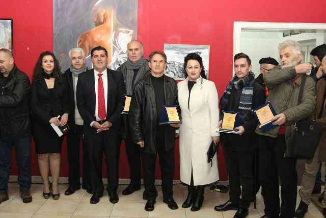 Në Gjilan hapet ekspozita e arteve pamore