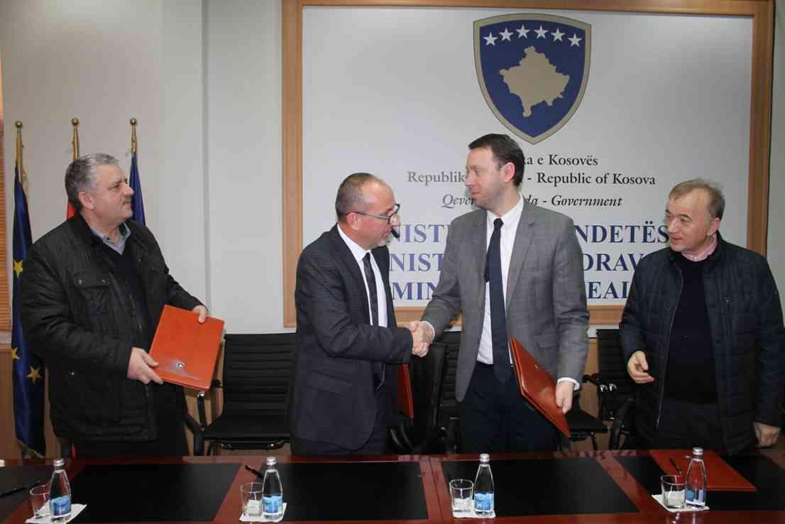 Nënshkruhet Marrëveshja e bashkëpunimit për mbështetje kujdesit parësor shëndetësor në Podujevë