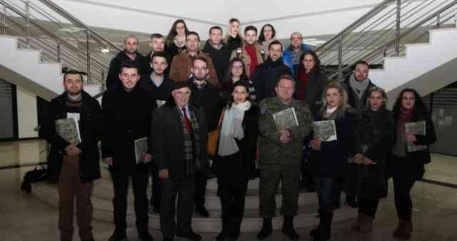 Studentë të Fakultetit Filozofik të Prishtinës vizituan Ministrinë për FSK-në
