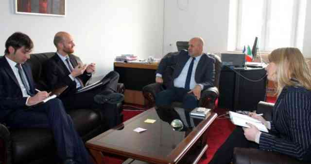 Zëvendësministri Sadiku bisedoi me Zëvendësambasadorin e Italisë në Prishtinë, Matteo Corradine