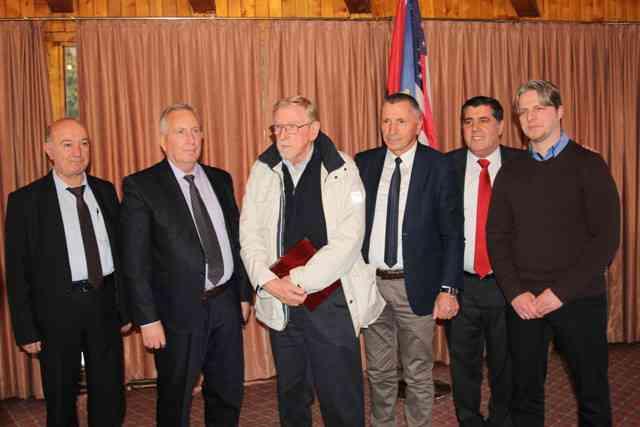 Walker: Përfaqësuesit e Kosovës dhe ata të Luginës duhet të jenë të vëmendshëm në raport me Serbinë