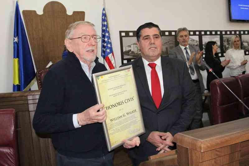Haziri: Ambasadori Walker i dha shpresë luftës në Kosovë