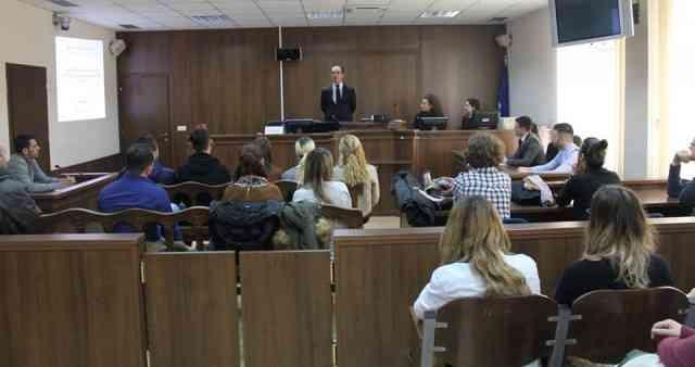 Ligjërata për praktikantë të gjykatës