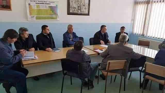 Ekipi i DKA-së, vizitë shkollave të komunës