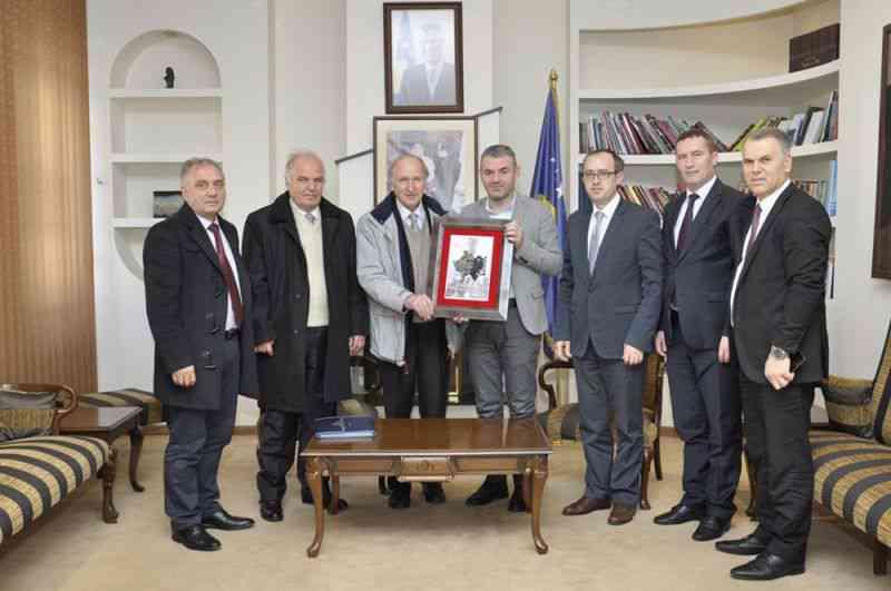 """""""Eksodi 99"""", mirënjohje për ministrin Shala"""