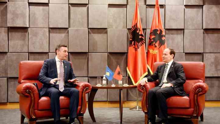Kryeparlamentari Veseli takoi presidentin Nishani