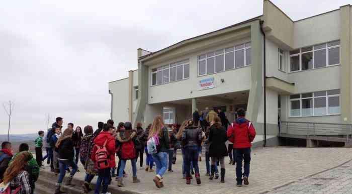 PDK: Skandal – Komuna mbyllë shkollën më bashkëkohore të Bujqësisë