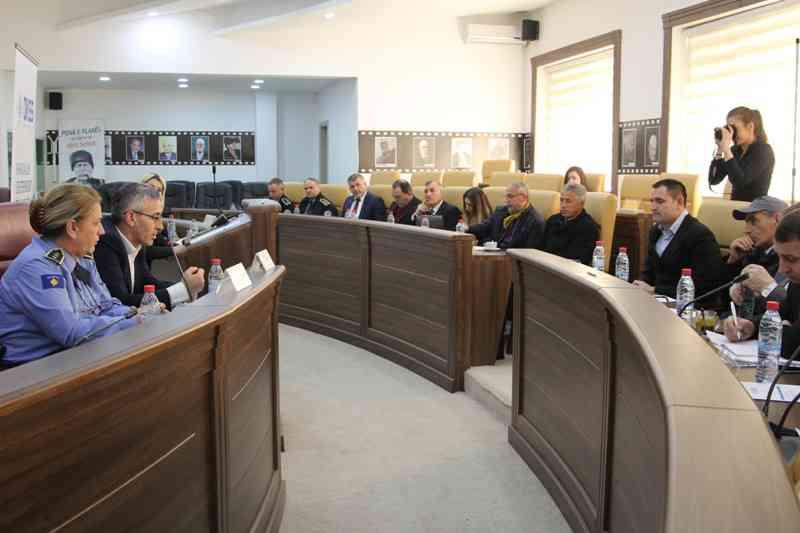Gjilani debaton për parandalimin e ekstremizmit, radikalizmin dhe terrorizmin