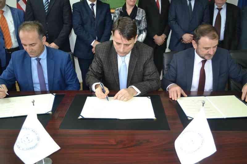 Tre Universitete nënshkruajnë rregullore të përbashkët për studime Master