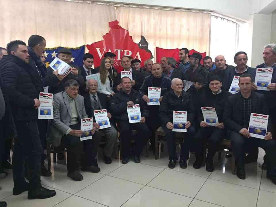 """Lëvizja Qytetare """"Vatra"""" nderon veprimtarët e Preshevës, Bujanocit dhe Medvegjës"""