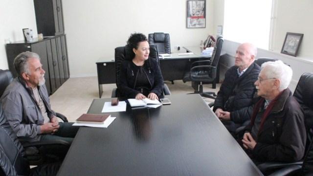 Bunjaku-Rexhepi falënderon donatorët Stainer e Isufi për ndihmat për familjet nevojtare