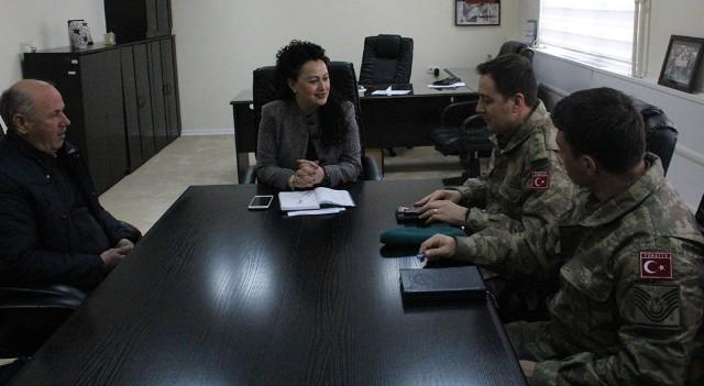 Bunjaku Rexhepi takon komandantin e KFOR-it turk, bisedojnë për avancimin e pozitës së femrës në shoqëri