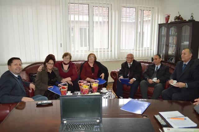 Pajaziti (PDK), nderoi me mirënjohje një grup veteranësh të arsimit gjilanas