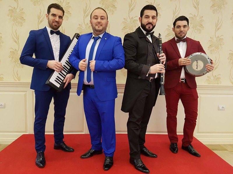 """Agim Band & Adnan Kamberi vijnë me këngën """"Qaje agim qaje"""""""