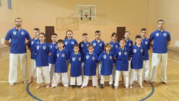 "Klubi i Karatesë ""AS""kthehet me 10 medalje"