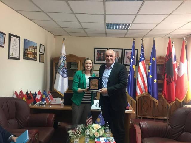 Kryetari Haliti priti në takim znj. Dianna Paleqiun, zyrtare e lartë nga USAID-i