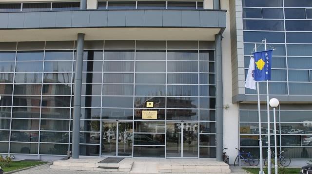 Gjashtë muaj burgim efektiv për zyrtarin komunal
