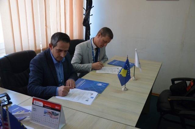 Islamic Relief dhe Kamenica nënshkruan marrëveshje për ujësjellësin në Berivojcë