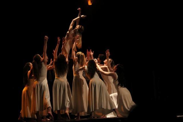 """Jepet shfaqja e baletit """"Drejtësi Tranzicionale""""si dhe u hap ekspozita mbarëkombëtare"""