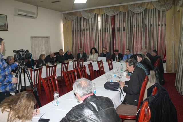 Pajtimi ndëretnik duhet të ndodh, por edhe kërkim falja dhe dënimi i atyre që kryen krime dhe gjenocid në Kosovë