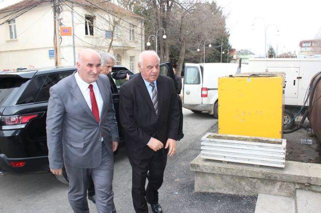 Kryetari Haliti priti në takim ish presidentin shqiptar Alfred Moisiu