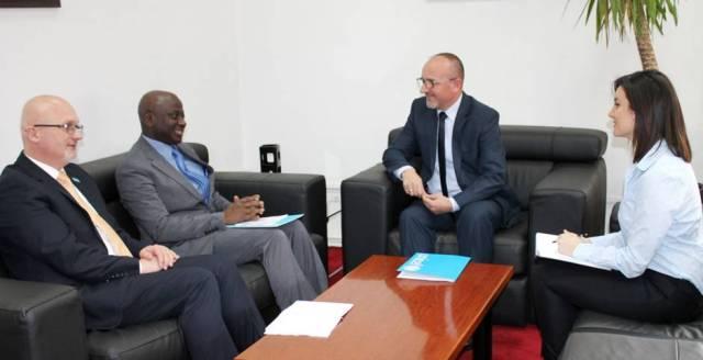 Ministri Rrahmani dhe shefi i UNICEF-it në Kosovë bisedojnë për partneritetin për shëndetin e fëmijëve