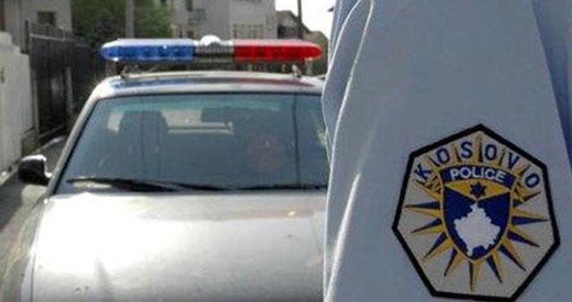 Te tre të dyshuar policia gjen një AK/47, dy revole, një pushkë gjuetie dhe 229 fishekë
