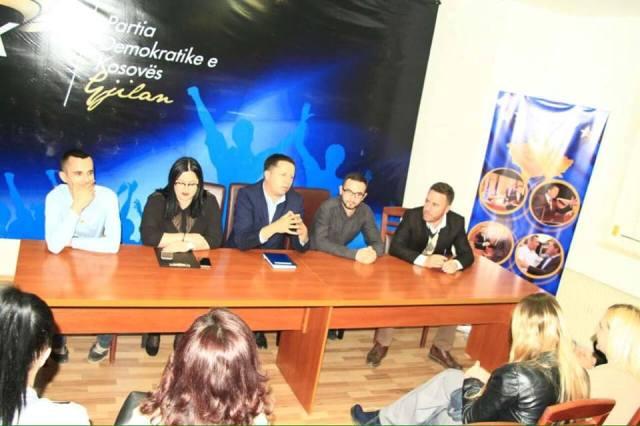 Burhan Isufi, zgjidhet Kryetar i Rinisë të PDK, në Gjilan