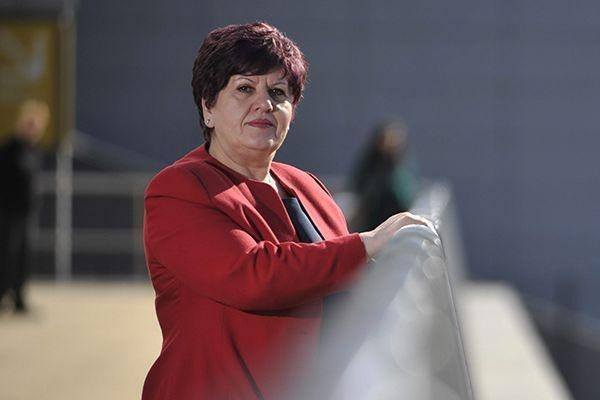 Haziri përgëzon znj.Sherifi, e zgjedhura në mesin e 10 Grave të Shquara të Skocisë