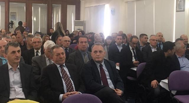 """Mbahet seminari për """"Zhvillimin profesional të mësuesve nga Lugina e Preshevës"""""""