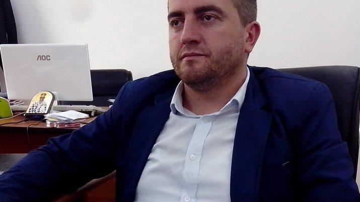 Sërish Sërgjan Mitroviq përjashtohet nga seanca