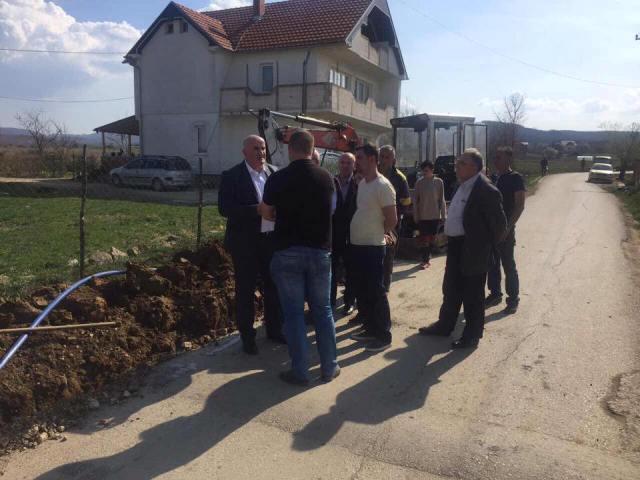 Haliti inspektoi punimet të ujësjellësit në Vërban