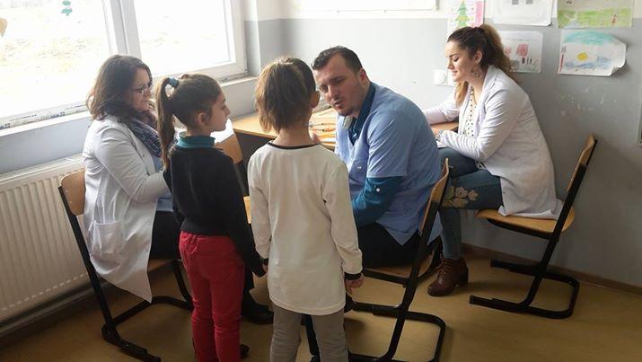Vazhdojnë vizitat sistematike të nxënësve nëpër shkolla