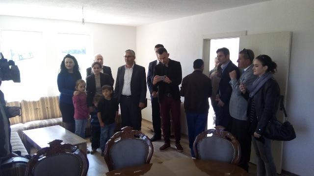 Gjilani përuron shtëpinë e radhës për familjen e Ylfete Rafunës