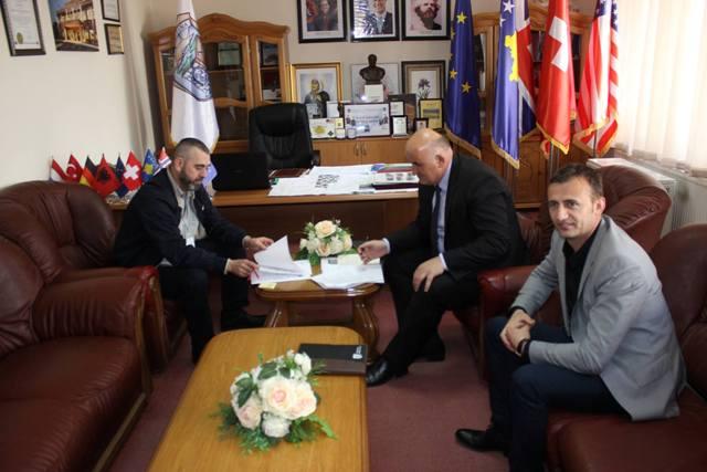 U nënshkrua edhe një marrëveshje mirëkuptimi mes komunës së Vitisë dhe Fondacionit Kosovë-Luksemburg