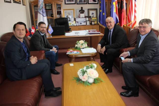 Kryetari i Vitisë priti në takim kryetarin e komunës Wangis të Zvicrës