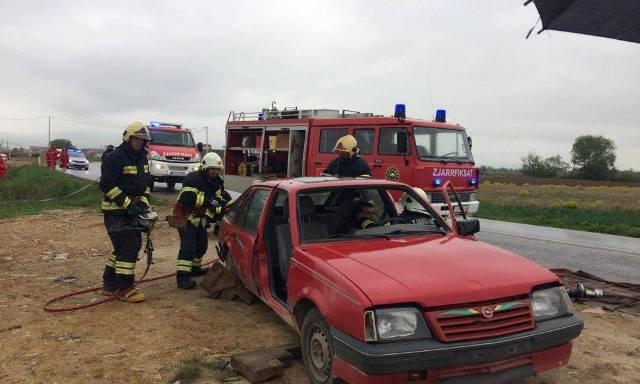 U mbajt trajnimi i zjarrfikësve për intervenime në situata emergjente