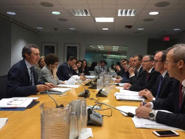 Ministri Hoti u takua me zyrtarët e lartë të Bankës Botërore në Uashington