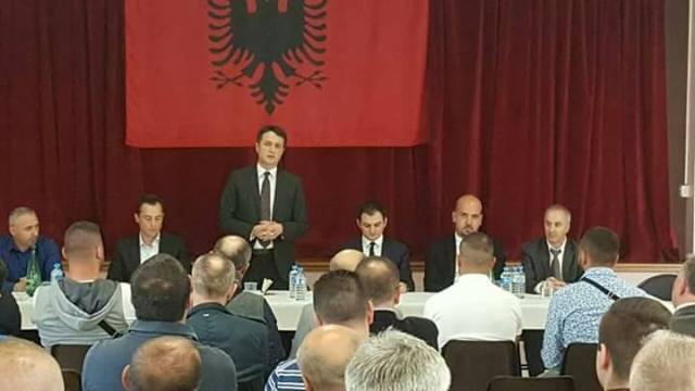 Ministria e Diasporës do ta ndihmojë shkollën shqipe në Francë