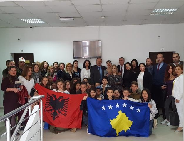 Mësuesit vullnetarë të shqipes në Greqi