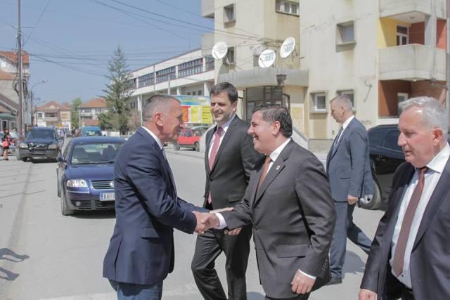 Lutfi Haziri, takime të ngjeshura me përfaqësuesit politik të Bujanocit