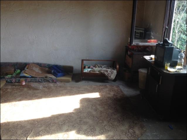 Tetëmbëdhjetë familjeve me kushte të vështira IQZH ua shpërndau ndihmat e rregullta mujore