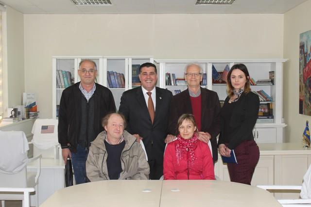 Haziri pret përfaqësuesit e MAN'it francez, në 21 vjetorin e partneritetit me Gjilanin