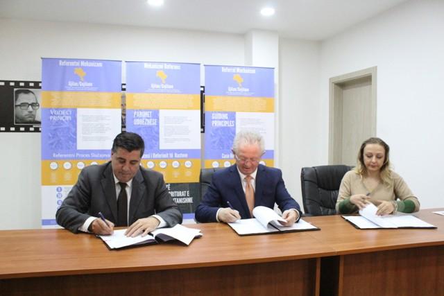 Nënshkruhet Memorandum Mirëkuptimi për angazhimin e komunitetit në parandalimin e radikalizimit