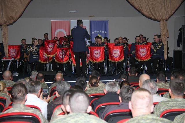 Orkestra e Ushtrisë Turke dhe Forcës së Sigurisë së Kosovës zhvilluan koncert të përbashkët