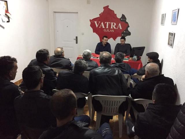 """Drejtuesit e """"Vatrës"""" takojnë përfaqësuesit e fshatit Novosellë"""