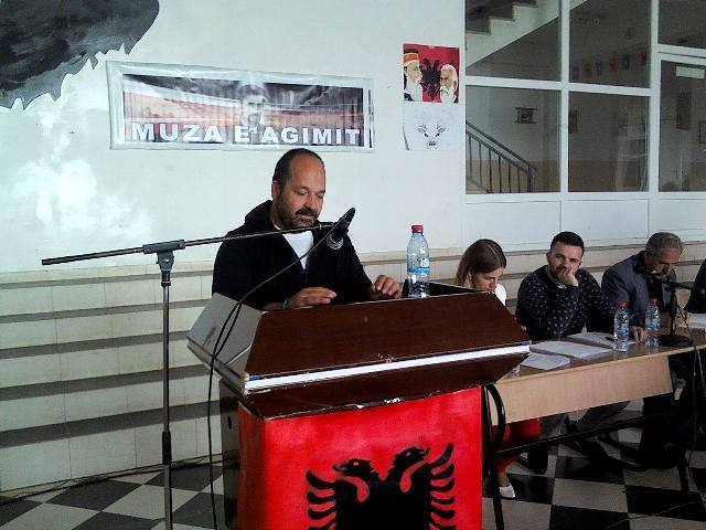 """Poeti Xhevat Latifi fitues i çmimit """"Muza e Agimit"""""""